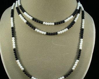 Bess--Glass pearl renaissance necklace