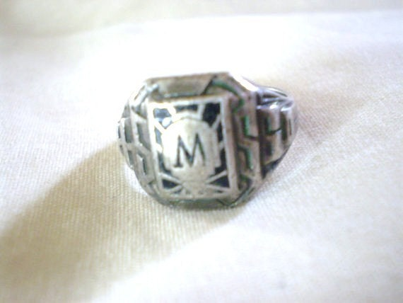 vintage antique 1944 high school class ring by ichliebevintage