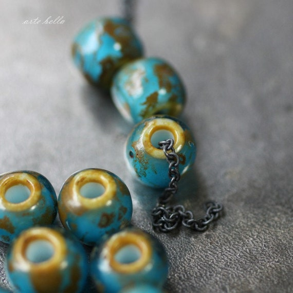 BLUE MOON .. 15 Picasso Czech Seed Glass Beads (2160)