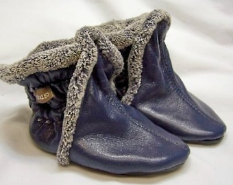 navy leather baby boy boots - navy leather booties warm for winter - handmade boots - booties for winter