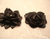 Black rose - vintage lucite