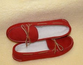 Womens Fleece Lined Slipper Moccasins -  size 9.5  -Red