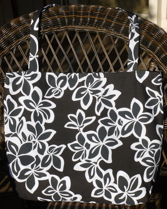 Tote bag in Black and White Hawaiian Print by Flowercreek ...