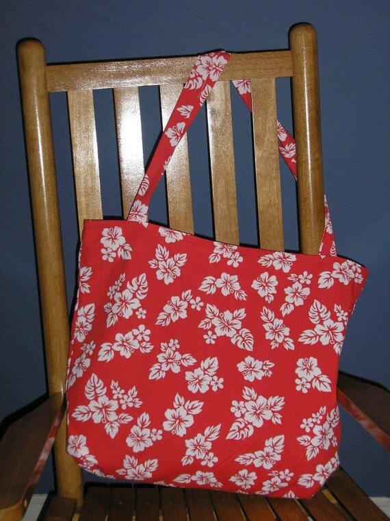 Beach bag in classic red Hawaiian print fabric