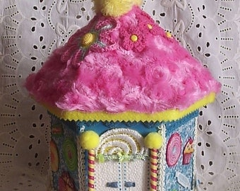Candy-theme birdhouse for photo holder, nursery or little girl's room decoration