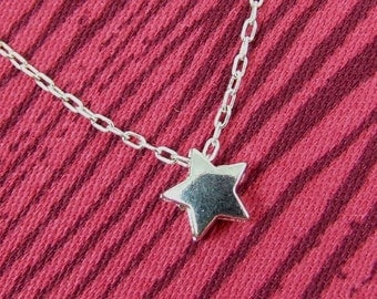 Itty Bitty Star Necklace