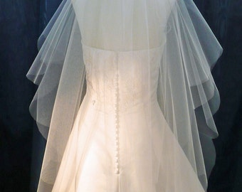 Wedding Veil Fingertip length 2 Tier Scalloped Plain Cut European Edge
