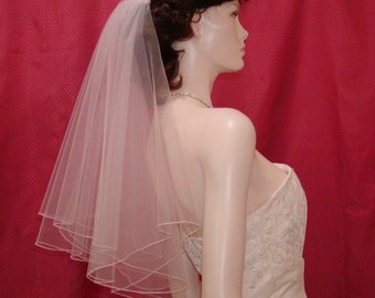 Circular Cut Bridal Veil in WHITE  / Elbow length and finished with a delicate Pencil Edge