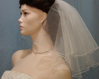 Pretty 2 Tier Shoulder length Flyaway Wedding Veil