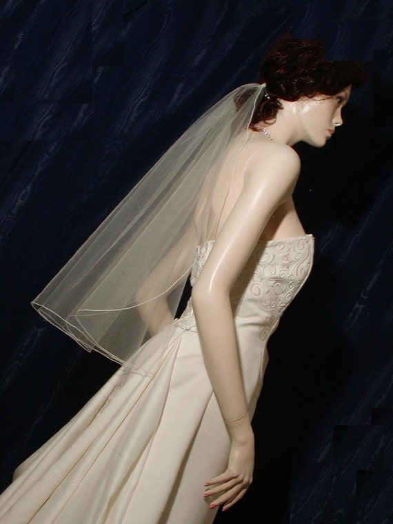 1 Tier Elbow/Waist  Bridal Veil with delicate Pencil Edge Cascading Waterfall Style Very elegant
