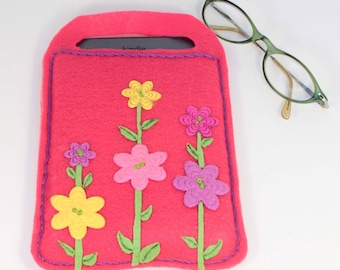 e reader cover/carrier, fanciful flowers