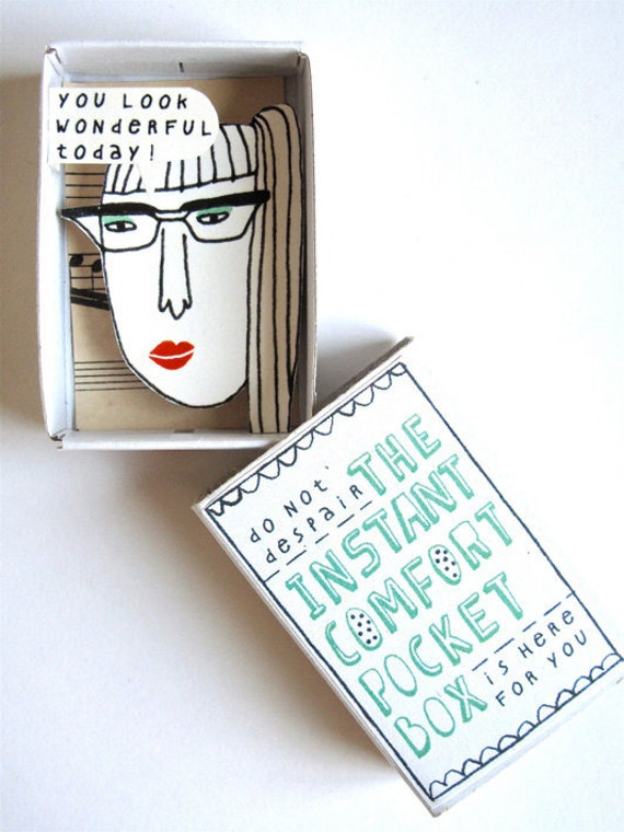 The Instant Comfort Pocket Box - red lipstick and music