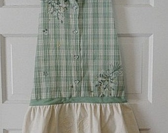 Upcycled Full Apron / Seafoam Green Plaid With Machine Embroidery and Battenberg Lace