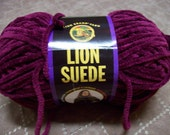 Lion Brand Lion Suede Fuchsia SDJ