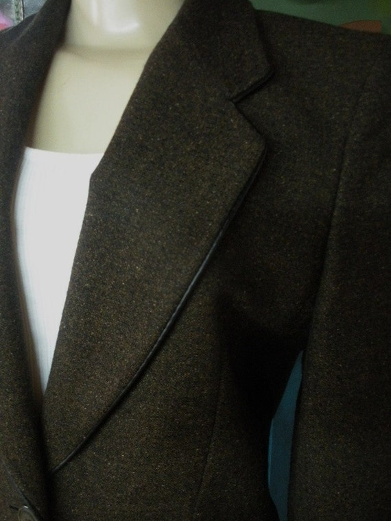 Gorgeous LAUREL - GERMANY fitted brown wool blend blazer with leather piping size 6 - Westfield, Massachusetts