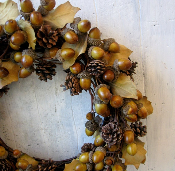 Vintage Acorn And Pine Cone Wreath