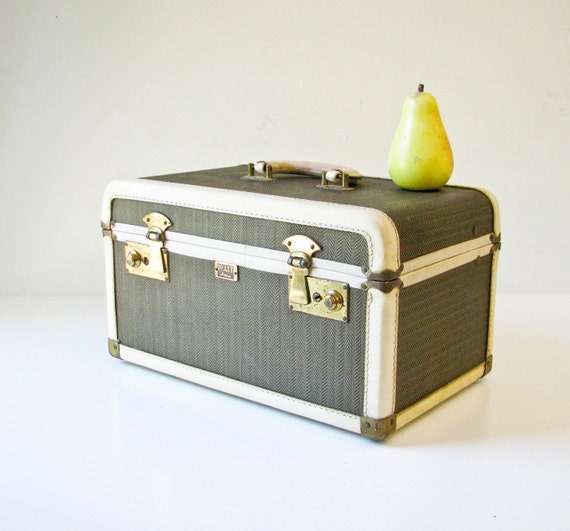 Vintage Train Case - Brown Herringbone - White Leather - 1940s Glamour