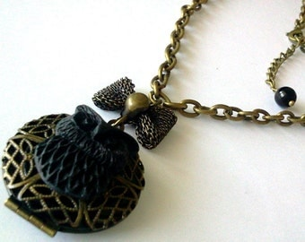 Black Owl Locket - Woodland Chic Trend Kult Pendant
