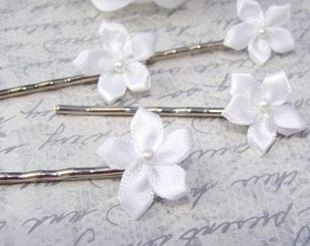 Tiny White Flower Hair Pins
