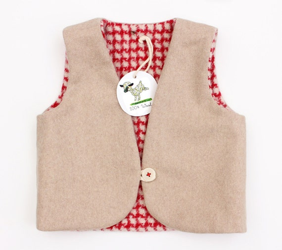 Reversible woolen vest red