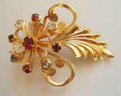 1940s Rhinestone Gold Tone Pin Brooch Vintage Dramatic, Shipping Included