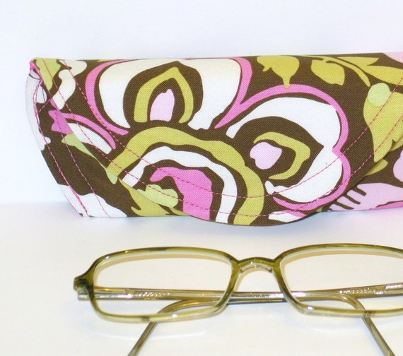 Eyeclass Case - Amy Butler Daisy Chain in Rose designer fabric, with hidden magnetic closure