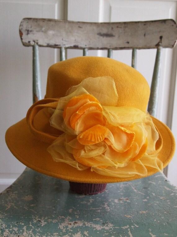 80s Vintage yellow Hat Felt  Rabbit Hair