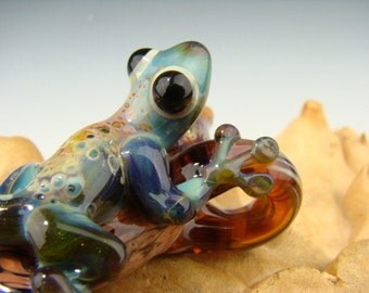 Glass Tree GECKO Lizard Focal Pendant Sculpted Bead (made to order)