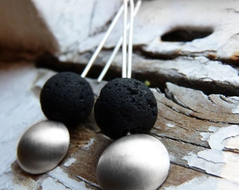 Magma earrings, Matte silver earrings, simple and contemporary design to wear all day, long earrings and lightweight.