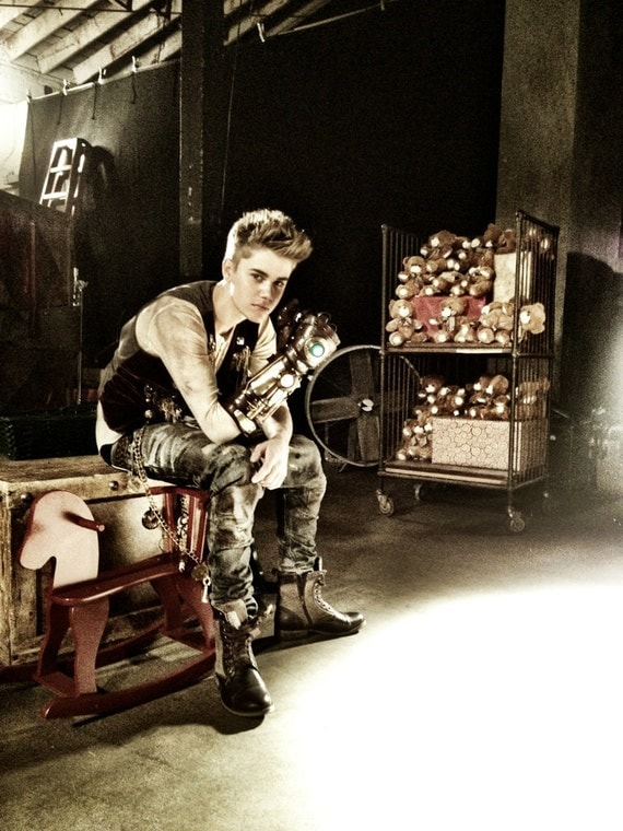 Steampunk Robot Arm - As seen on Justin Bieber in Santa Claus is coming to town