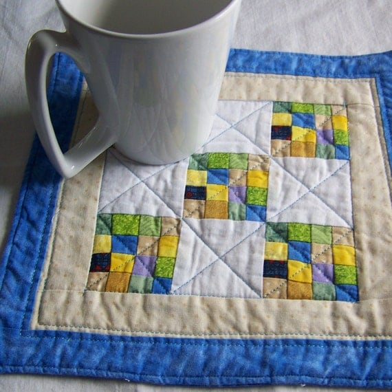 Bits and Pieces Mug Rug, Snack Mat, Candle Mat or Wall Hanging