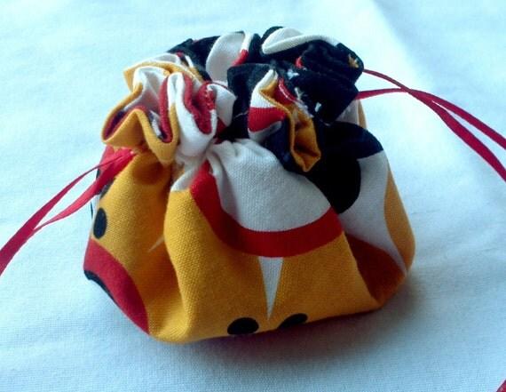 Retro Flower Red Black Yellow Drawstring Jewelry Pouch