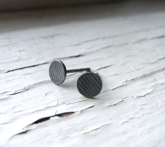 bitty earrings : lined & oxidized