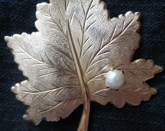 Vintage Sarah Coventry Whispering Leaf Brooch