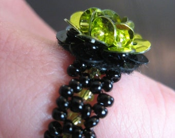 Metallic Lime Green & Black Sequined Cocktail Ring for Large Finger