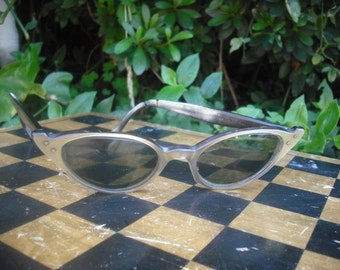 Vintage Eye Glass Frames, Cat Eye Frames, Funky 1960s Eyeglasses, Ladies Glasses, Vintage Eye Wear