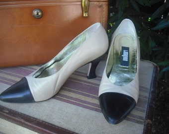 Vintage Two Tone I. Magnin Spectator Pumps / Taupe and Black / size 6.5