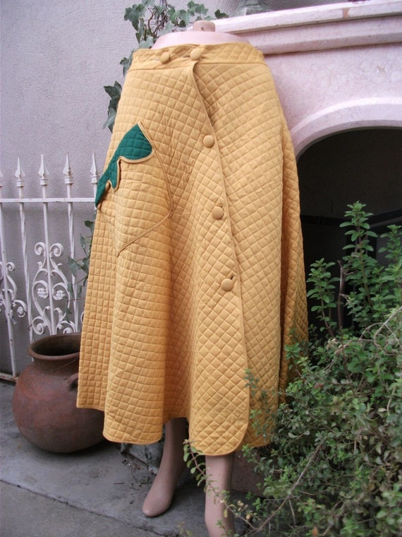 Vintage 1950s Yellow Quilted Sock Hop/Be BopDance Skirt by Dorella  WAIST 30