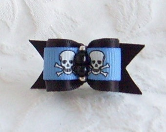 5/8 Black and Blue Skullz bow