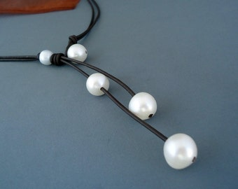 Pearls and leather Necklace, Leather Necklace, Classic Chic