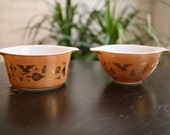 Vintage Pyrex bowls - set of 2 super cute designs featuring corn, eagle, chicken, country