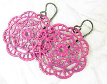Pink painted earrings, Arte Metal, Hand painted earrings
