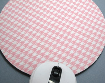 Buy 2 FREE SHIPPING Special!!   Mouse Pad, Round Fabric Mousepad or Trivet          Baby Pink & White Houndstooth
