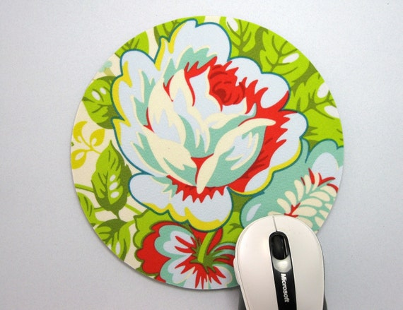 Mouse Pad, Computer Mouse Pad, Round Fabric Mouse Pad or Trivet        Rose Bouquet