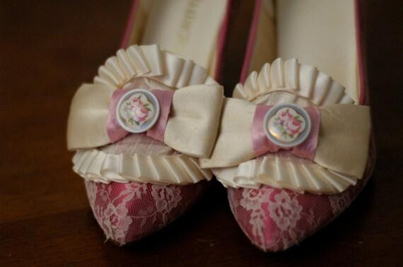 Swalcliffe Marie Antoinette Pink Lace Pumps