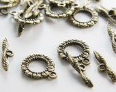 10 Sets Antique Brass Tone Base Metal Toggle Clasps  (11359Y-J-10)