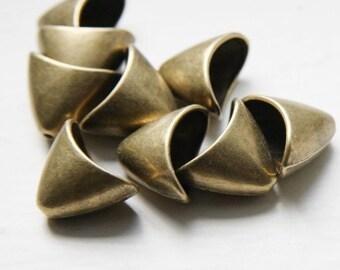 6pcs Antique Brass Tone Base Metal Cones-20x16x12mm (9383Y-K-97B)