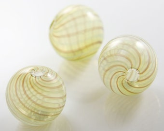 4pcs Hand Blown Hollow Glass Beads-Near Round Yellow with Brown 26x25mm (5H1)