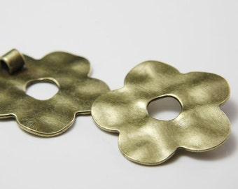 2 pcs Antique Brass Tone Base Metal Pendants-Flower 45mm(11621Y-B-37B)
