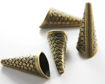 4pcs Antique Brass Tone Base Metal Cones-33x17mm (15305Y-K-92B)